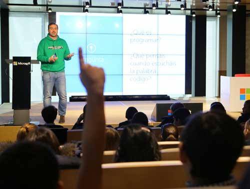 Ángel Sáenz de Cenzano en el evento celebrado en las oficinas de Microsoft en Madrid