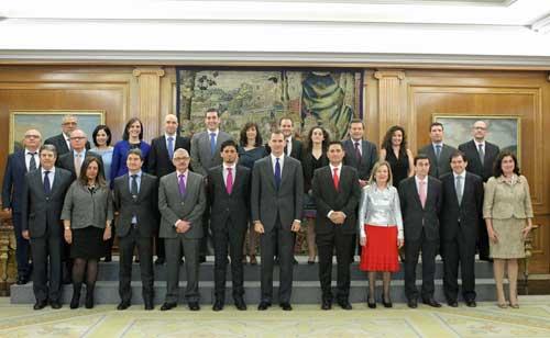 La junta directiva y los presidentes de ASTIC con el Rey Felipe VI
