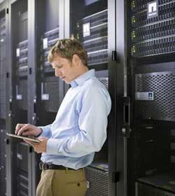 Las cabinas NetApp combinan ventajas de la tecnología Flash con las del disco