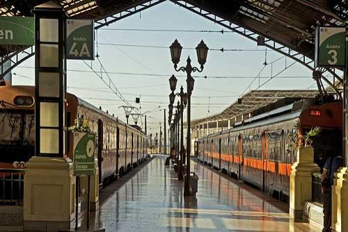 El Grupo EFE cuenta con más de 2.000 kilómetros de vía férrea, 30 subestaciones eléctricas y cerca de 800 Km de vía electrificada entre Santiago y Chillán - Foto: Grupo EFE