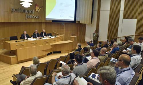 Sesión inaugural del curso de verano Energía, economía y sociedad: modelos energéticos, autoconsumo y pobreza energética organizaco por la Fundación Gas Natural Fenosa