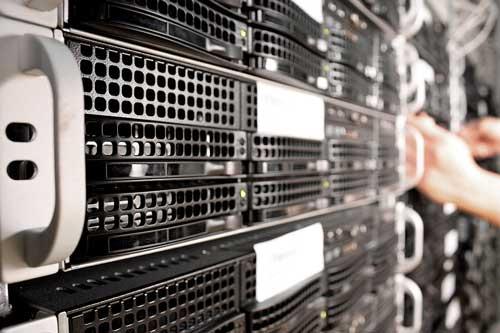 La infraestructura cloud de Milenio cuenta con dos host y cuatro datastores en los que están funcionando alrededor de 10 máquinas virtuales con un ancho de banda de 10Gb