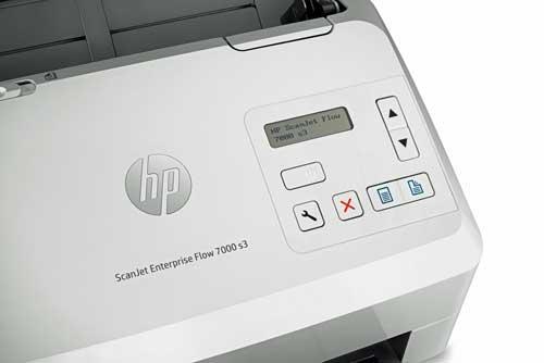 Los HP ScanJet Enterprise Flow 5000 s4 y Enterprise Flow 7000 s3 permiten un flujo de trabajo móvil y escanear hojas en formato A3 dobladas sin una hoja de soporte