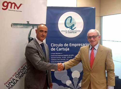Miguel Hormigo (a la izda.) con Beltrán Calvo tras la firma del convenio