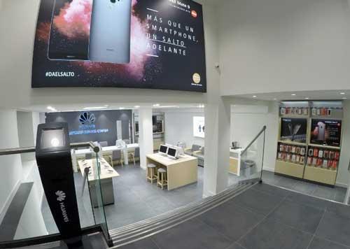 Huawei inaugura su primer Centro de Atención al Cliente de España y el segundo de Europa