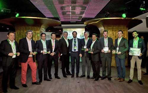 Los partners premiados junto a Jorge Vázquez y Álvaro Jerez
