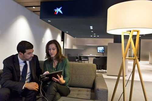Con las tabletas utilizadas por gestores en todas las oficinas, CaixaBank logra llegar a un grado de digitalización interno del 77% en la operativa comercial y que el 97% de la documentación se firme digitalmente
