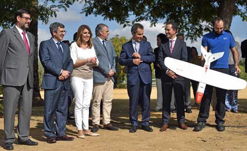 Autoridades presentes en la demostración (de izquierda a derecha) José María Villalobos, Francisco Román, la Presidenta de la Junta de Andalucía, Susana Díaz; Javier Carnero, Antonio Fernandez y Santiago Tenorio