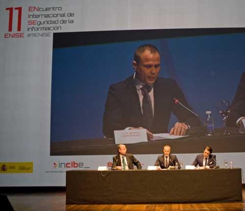 En el acto de inauguración han participado Alberto Hernández, Juan Carlos Suárez-Quiñones y Antonio Silván