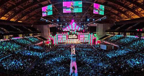 En su edición de 2017, el Web Summit reunió a mas de 60.000 asistentes de 150 países