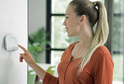 El nuevo termostato de Somfy presenta un diseño que se adapta perfectamente a la decoración del hogar