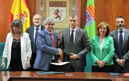 Acuerdo de Wolters Kluwer y la Universidad de León para mejorar la capacitación empresarial del alumnado