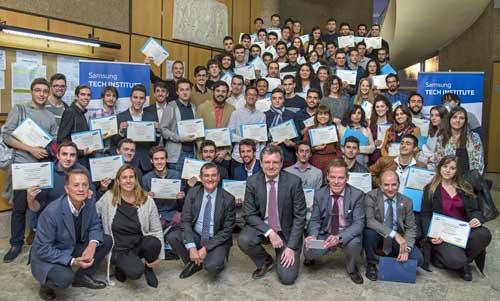 Samsung y la UPM entregan los diplomas del Tech Institute que promueven el empleo juvenil