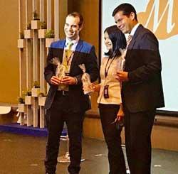 David Bayón recogió el premio en representación de IECISA
