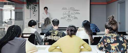 Los bootcamps están concebidos como una formación muy intensiva cuya finalidad es preparar para la salida directa al mercado laboral