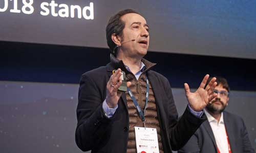 Vicente Muñoz, Chief IoT Officer de Telefónica durante su conferencia en el MWC 2018