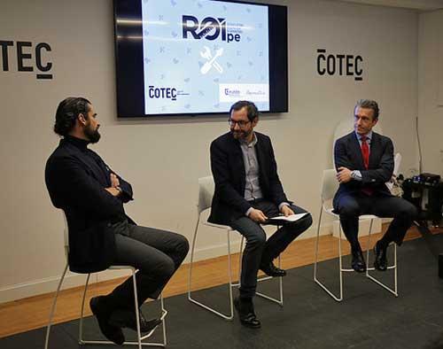 De izda a dcha, Iñaki Ortega, Jorge Barrero y Juan Ignacio Sanz durante la presentación de ROIpe