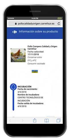 La etiqueta incluye un código QR que se escanea y presenta la información en el smartphone