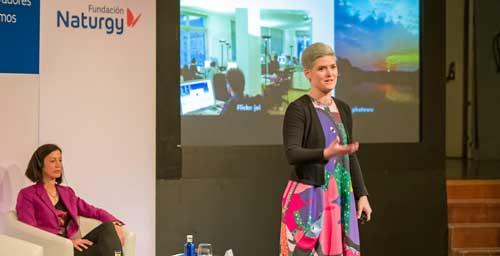 """Amber Case: """"Hace falta interacción, no todo ha de ser digital: la tecnología debe permanecer 'tranquila' la mayor parte del tiempo"""""""