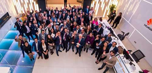 Participantes en la jornada organizada por Huawei Educación