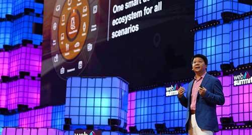 Guo Ping durante su discurso en la conferencia inaugural de Web Summit de 2019
