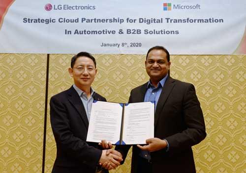 El Dr. Lee Sang-Yong y Sanjay Ravi firmaron en CES nuevos acuerdos de colaboración entre LG y Microsoft