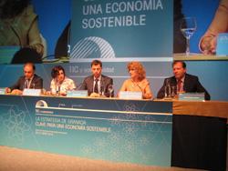 De izquierda a derecha: Jesús Banegas, Eva Piñar, Arturo Azcorra, Maribel Montaño y Adolfo Borrero