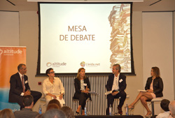 Imagen de la mesa de debate