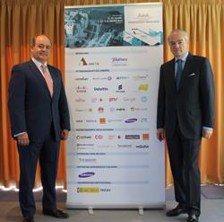 Benigno Lacort (i) y José Manuel de Riva durante la presentación del Encuentro