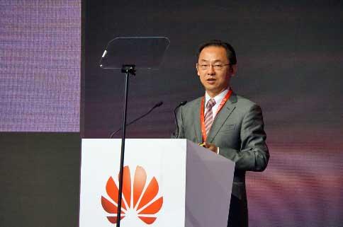 Ryan Ding, presidente de Productos y Soluciones de Huawei, durante su intervención en UBBF